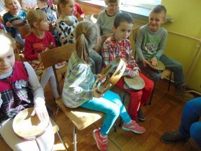 przedszkolaki-z-misia-uszatka-w-naszym-ognisku11