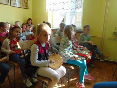 przedszkolaki-z-misia-uszatka-w-naszym-ognisku20