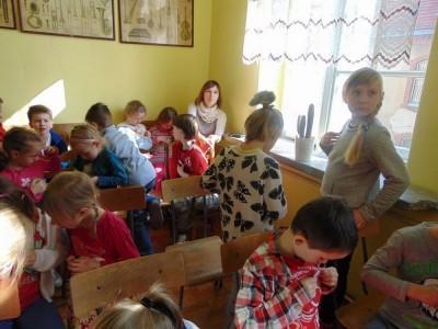 przedszkolaki-z-misia-uszatka-w-naszym-ognisku26