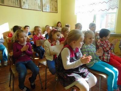 przedszkolaki-z-misia-uszatka-w-naszym-ognisku8